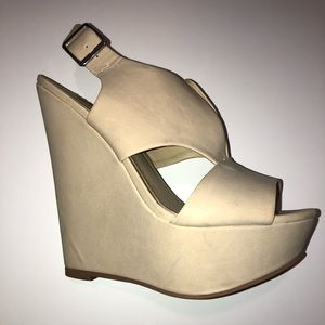 Steve Madden size 5.5 wedge nude.